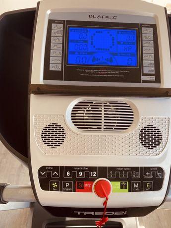 Passadeira TR202i bladez fitness