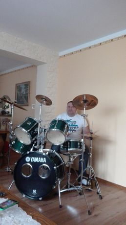 Perkusista i basista podejmie współpracę z zespołem