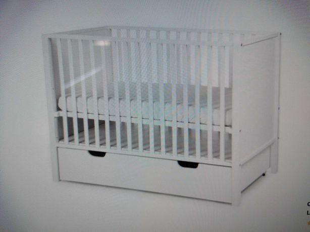 Cama bébé com colchão