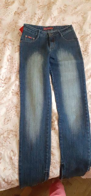 Женские джинсы размер 28/38