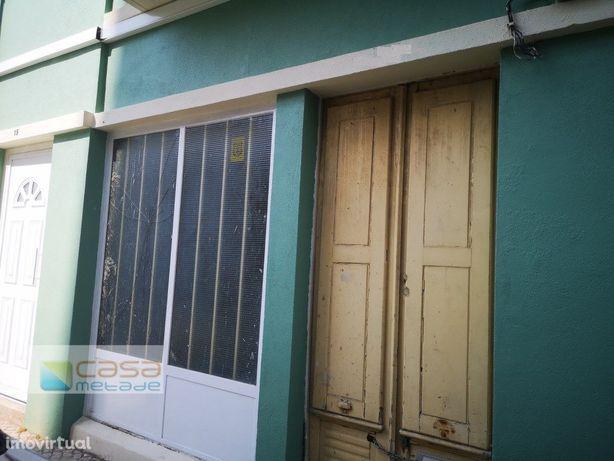 Loja para arrendar centro de Alhandra