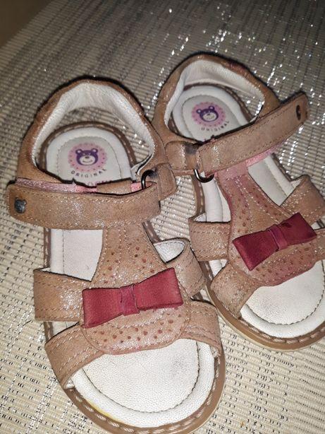 Sandałki ze skóry naturalnej Lasocki 25