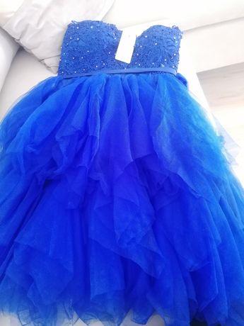 Nowa sukienka idealna na wesele