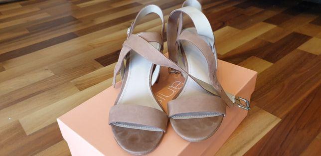 Sandałki Guess 35