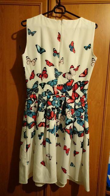 Sukienka w motyle