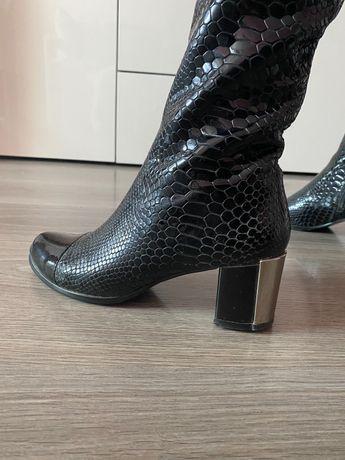 Женские сапоги 37р VITTO ROSSI