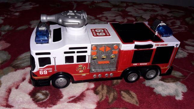 Музикальная пожарная машина