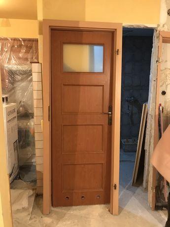 Drzwi prawe 70 łazienkowe futryna