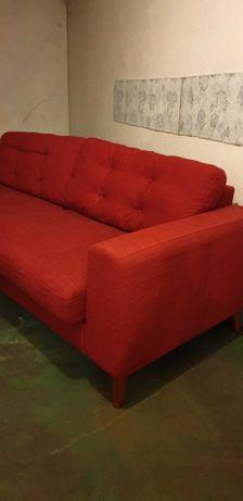 Sofa vermelho  area