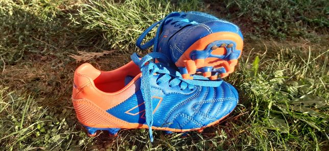 Buty piłkarskie dla dzieci American Club.