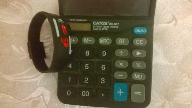 Часы адидас Adidas и калькулятор одним лотом