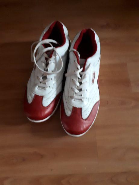 Buty sportowe firmy Aierlu