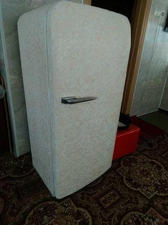 Холодильник дизайнерский.