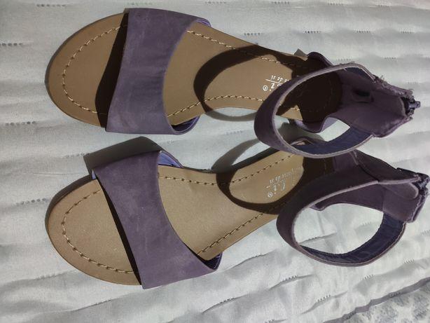 Sandálias lilás NOVAS