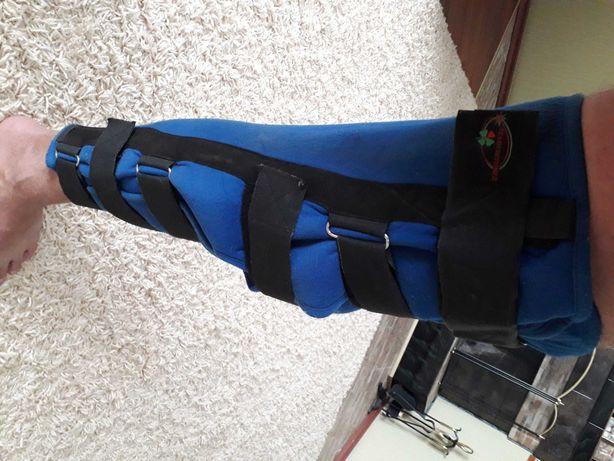 Ортез жесткий для коленного сустава