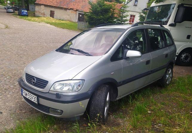 7 osobowy Opel Zafira