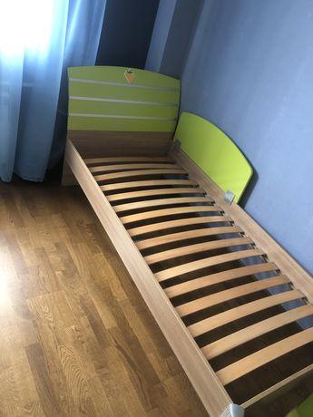 Детская мебель Cilek. Кровать и письменный стол