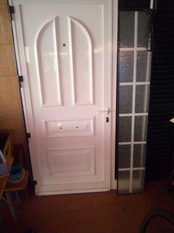 Porta + caixilho+ vidro 1,25x2m