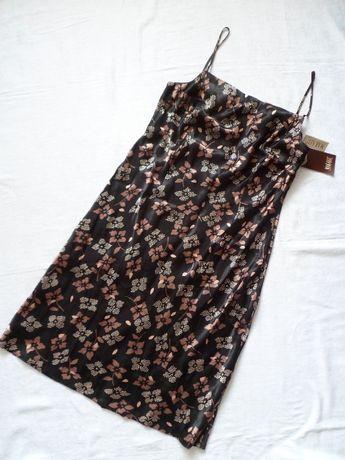 Nowa -- Sukienka w Kwiaty -- M / L