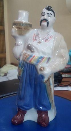 """Продам - фарфоровую статуэтку бутылка """"Козак"""""""