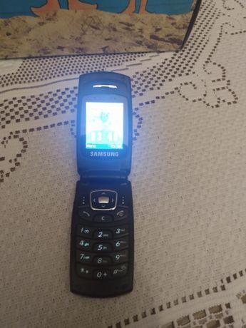 Samsung b250  w dobrym stanie z ładowarką