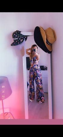 Conjunto multicolor,calças e top tamanho unico
