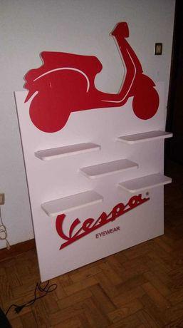 Expositor Vespa  com 5 prateleiras