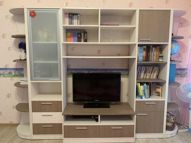 Детская комната. Полный помплект мебели