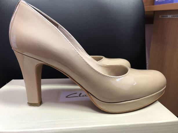 Туфли clarks 39 размера, состояние отличное, стелька 25,8 см