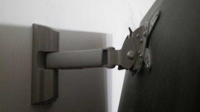 TV LCD uchwyt scienny sprzedam barkan