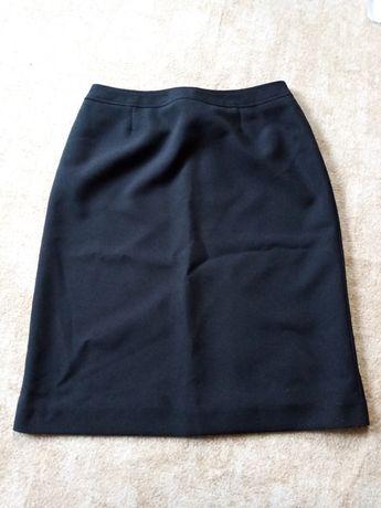 czarna spódniczka