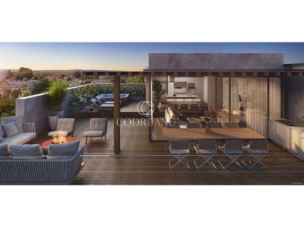 Fantástica Penthouse Com Terraço E Piscina Em Oeiras