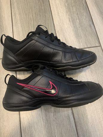 кроссовки/ обув/ кросівки/ взуття NIKE