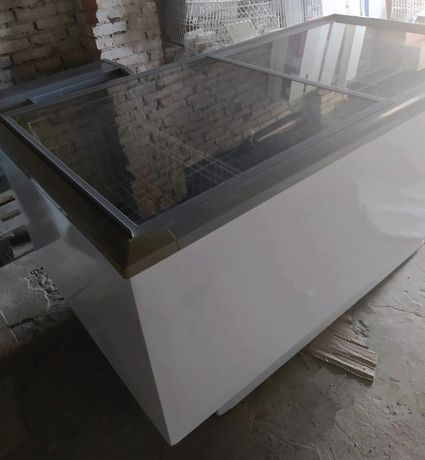 Морозильная бонета с раздельными двумя отделениями б/у рабочая
