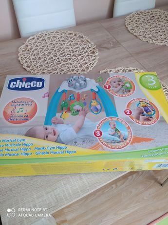 Muzyczny zestaw gimnastyczny Chicco dla dziecka