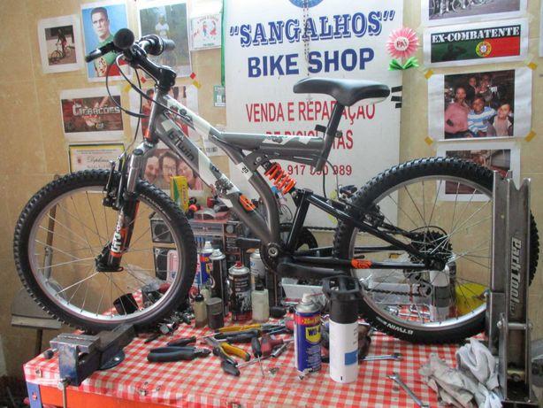 Bicicleta roda 20, c/ mudanças e dupla suspensão