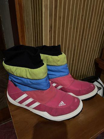 Туфлі,ботінки,угі