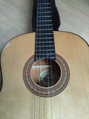 Viola Santana CG-390, viola acústica, clássica, mala em napa.