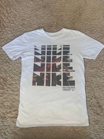 Футболка Nike BIG LOGO   nike bape stone islande moncler
