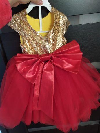 Нарядкое платье с пайетками 80 размера