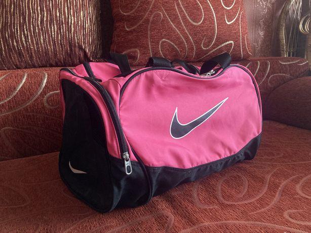 Спортивная сумка Nike оригинал новая