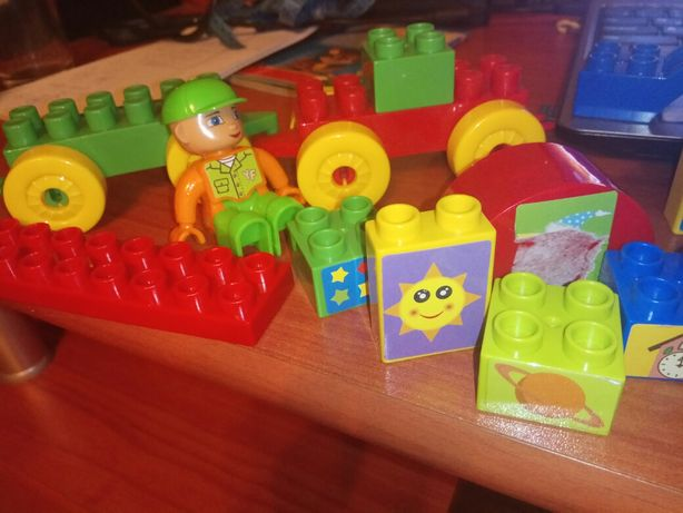 Конструктор. Аналог Lego duplo. С человечком