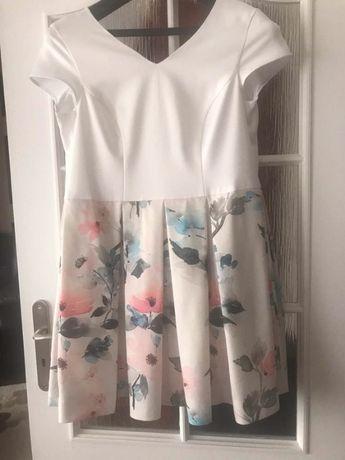 Biała sukienka w kwiaty roz.42-44