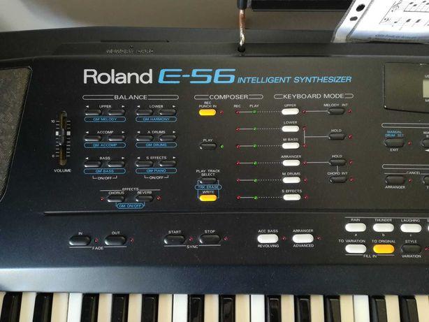 Sintetizador Roland E56 Intelligent Synthesizer; Com tripé e banco