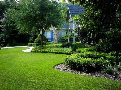 Профессиональная укладка рулонного газона. Гарантия качества. Недорого