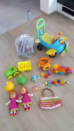 Zestaw zabawek jeździk pchacz, Masza,odkurzacz,garnuszek,pociąg Fisher