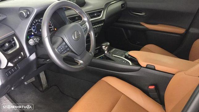 Lexus UX 250h ver-premium