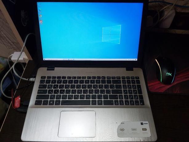 Потужный игровой ноутбук Асус i5-7200U,16 ОЗУ,940mx 1000hhd