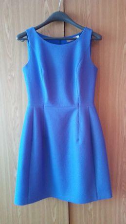 Niebieska sukienka bombka