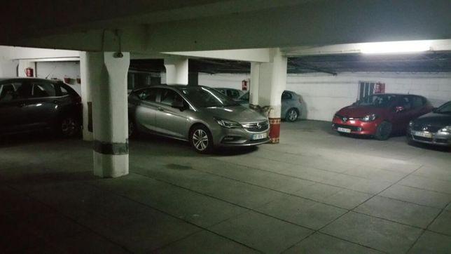 Parqueamento garagem motas